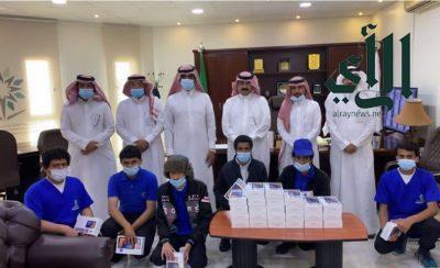 وقف الوالدين تدعم الطلاب المحتاجين بالكلية التقنية بـ #سراة_عبيدة بـ 30 جهاز لوحي