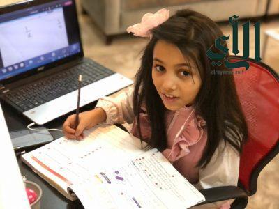 """200 ألف طالب وطالبة يؤدون اختباراتهم """"عن بُعد"""" بتعليم عسير"""