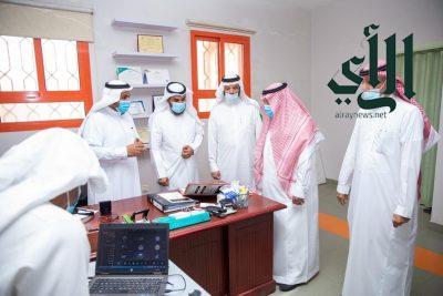 مدير عام #تعليم_الرياض يقوم بجولة لتفقد سير الاختبارات