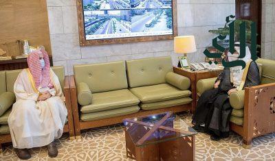 أمير الرياض يستقبل رئيس المحكمة العامة بالمنطقة