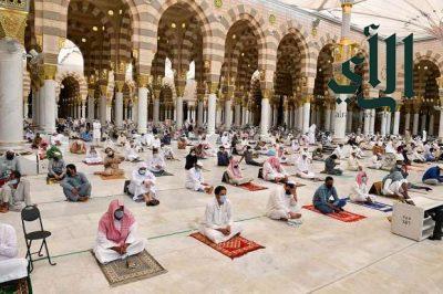 قاصدو #المسجد_النبوي يؤدون آخر #صلاة_جمعة في شهر #رمضان المبارك