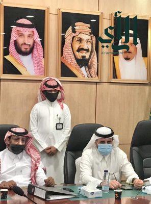 """محافظ """" #بارق """" يرفع إحتياجات أهالي مركز جمعة ربيعة لسمو أمير المنطقة"""