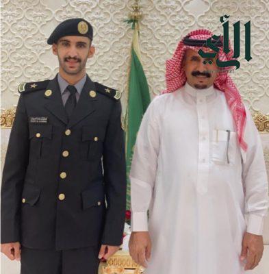 ابن شرفي يحتفل بتخرجه من كلية #الملك_خالد العسكرية برتبة ملازم