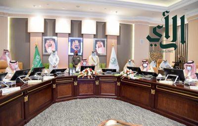 #أمير_جازان وبحضور نائبه يرأس الجلسة الافتتاحية لمجلس المنطقة في دورته الثانية