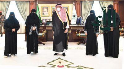 #الأمير_محمد_بن_ناصر يلتقي رئيسة وعضوات مجلس إدارة جمعية بنات الوطن بفيفا