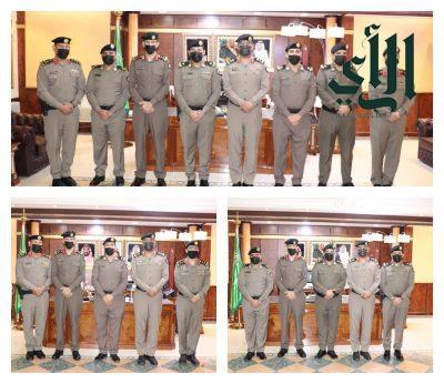 مدير شرطة منطقة تبوك  يقلد عدد من الضباط رتبهم الجديدة