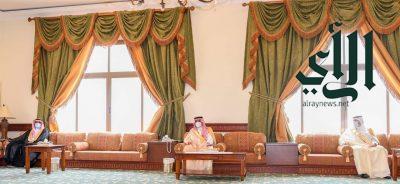 أمير منطقة تبوك يلتقي أهالي أملج وينوه بماتشهده المحافظة من حراك سياحي