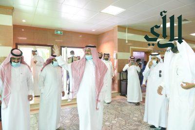 رئيس جامعة الملك خالد يشيد بجهود القيادة في نجاح موسم الحج ويؤكد أهمية التحصين للعودة الآمنة