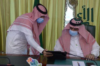 تزامنًا مع اليوم الوطني.. رئيس جامعة الملك خالد يدشن 3 مسارات للبحث والابتكار 91×91×91