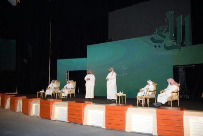 رئيس جامعة #الملك_خالد يشهد حفل استقبال المستجدين للعام الجامعي 1443