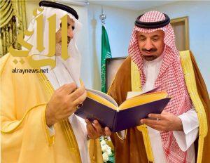 أمير نجران يطلع على تقرير بنك التنمية الاجتماعي