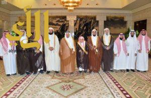 الأمير فيصل بن بندر يستقبل أعضاء جمعية مكنون