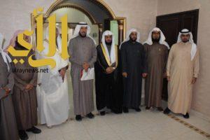 إمام ومؤذن المسجد الحرام يزوران جمعية عائلتي بالزلفي