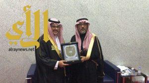"""الدكتور الثبيتي يحتفل بتخرج ابنه الدكتور """"أسامة"""""""