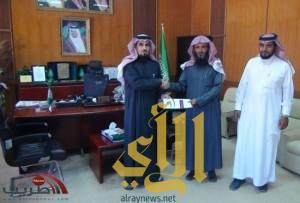 الشبيلي يستقبل رئيس مجلس جائزة طريب للتفوق العلمي