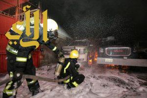 """""""مدني مكة"""" يسيطر على حريق اندلع في مستودع بداخله سيارات بملكان"""