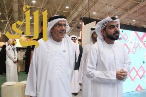 وزير الدولة الإماراتي: الشيخ زايد يؤمن بالحكم على الفرد من إنسانيته وعمله لا على دينه وعرقه