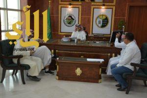 توقيع مشروع جسر طريق الملك خالد مع تقاطع صوامع الغلال لبلدية أحد رفيدة