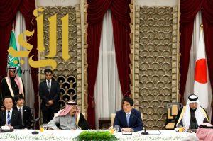 دولة رئيس وزراء اليابان يقيم مأدبة عشاء تكريماً لخادم الحرمين