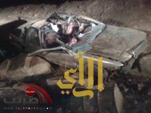 جمل سائب يصرع مواطناً ويصيب آخر بجراح خطرة بمركز الحفاير بالقاعه