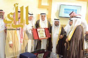 رئيس مركز الحيمة يدشن أوقاف جامع الملك عبدالعزيز بتكلفة تجاوزت 4 ملايين ريال