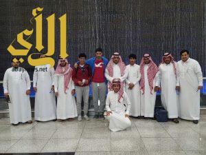 """طلاب جامعة الباحة يثرون معارفهم بزيارة المعرض """"الدولي للكتاب"""" و""""الطيران"""" بالرياض"""