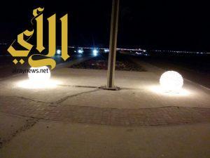 بلدية رأس تنورة: الانتهاء من استبدال أعمدة الإنارة القديمة بطريق (النعمان بن ثابت بحي الزهور )
