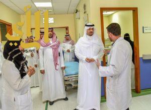 أمير الحدود الشمالية يتفقد مركز  جديدة عرعر ويوجه بتشغيل المستشفى كاملا خلال ثلاثة اسابيع