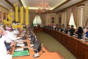 محافظ جدة يدشن البرنامج الوطني للتوعية البيئية والتنمية المستدامة