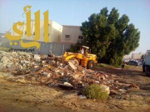 إدارة النظافة ترفع أكثر من 20 الف متر مكعب من الأنقاض ومخلفات البناء بأحياء العزيزية