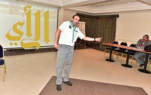 مصور سعودي يُدرب قادة إعلام الكشافة العرب على التصوير الصحفي