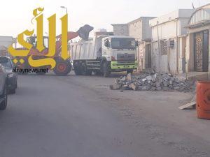 بلدية النعيرية ترفع 4394 م3 أنقاض ونفايات و7 سيارات تالفة خلال عيد الفطر المبارك