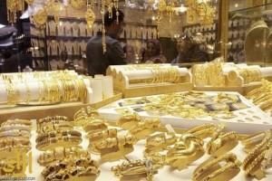المري يقوم بجولة تفتيشية لمتابعة توطين محلات الذهب بخميس مشيط