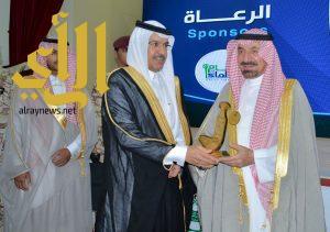 أمير نجران يكرم الغرفة في احتفالية اليوم العربي لليتيم