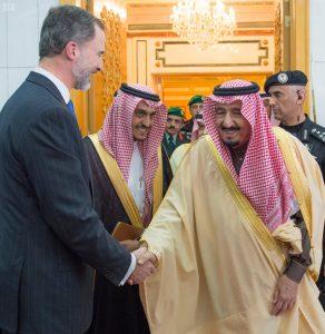 خادم الحرمين يعقد جلسة مباحثات مع ملك أسبانيا