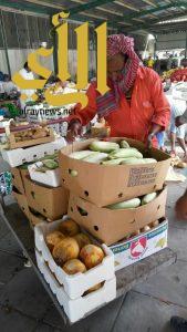بلدية القديح تنفذ 110 زيارة للمنشآت الغذائية وتصادر 40 كجم خلال شهر ربيع الثاني