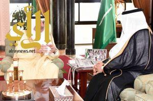 أمير تبوك يلتقي مدير جامعة فهد بن سلطان