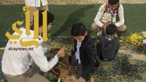 كشافة وزارة التعليم تُدرب زوار الجنادرية على مهارات الحبال