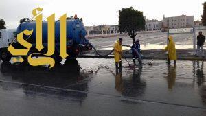 بلدية القطيف : 60 مضخة و42 مراقبا لسحب مياه الأمطار