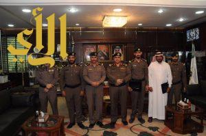 مدير شرطة الجوف يكرم عدد من منسوبي الشرطة بمكتبه