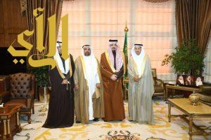 أمير عسير يتسلم التقرير السنوي للخطوط السعودية