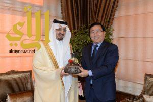 أمير عسير يستقبل السفير الصيني لدى المملكة