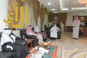مدير جامعة الباحة يبحث أوجه الشراكة ما بين الجامعة وتعليم المنطقة لتحقيق أهداف خطط التنمية للدولة