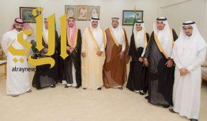 سمو أمير الباحة يتسلم تقريراً عن أعمال ومناشط مجلس شباب المنطقة
