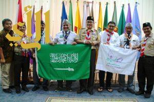 رواد كشافة المجمعة يتبادلون الخبرات مع كشافة اندونيسيا