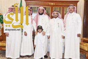 """أصغر سفير للعمل الخيري في العالم العربي سفيراً """" لجمعية البر بأبها """""""