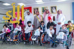 """""""أمين الباحة : يزور مركز جمعية الاطفال المعوقين بالباحة """""""