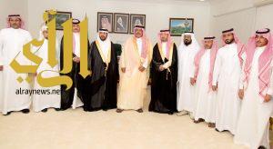 أمير الباحة يلتقي رئيس وأعضاء اللجنه الثقافية بمحافظة المخواة