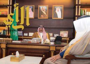 أمير الباحة يستقبل رئيس فرع هيئة التحقيق والادعاء العام بالمنطقة