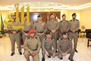 مدير شرطة الباحة يقلد عدد من الضباط رتبهم الجديدة